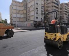 بالصور|| بلدية غزة: بدء رصف شارع أبراج السعادة في حي تل الهوا