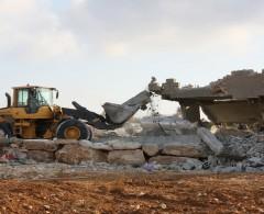 القدس: الاحتلال يخطر بهدم مباني في بيت سوريك